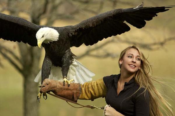 cute girl huge eagle