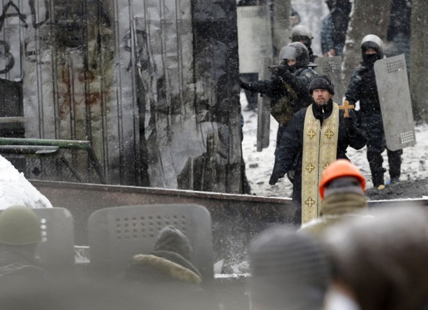 orthodox priest in kiev jan 22 2014