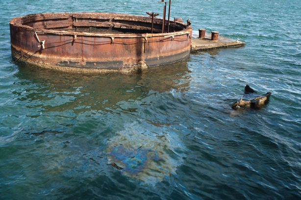 USS Arizona oil